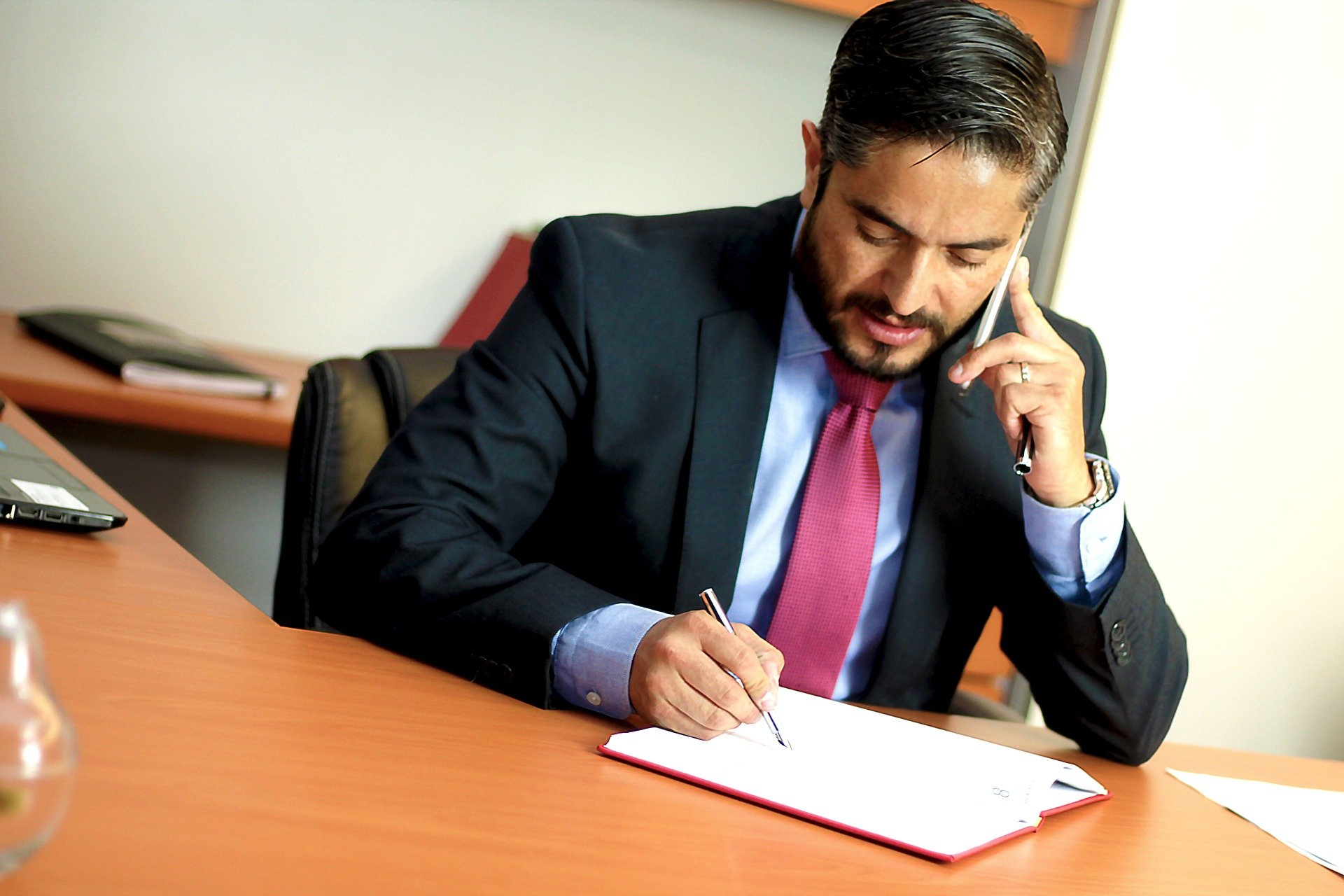 Tips for entrepreneurs to hire a compensation attorney by Michael e Weintraub Esq